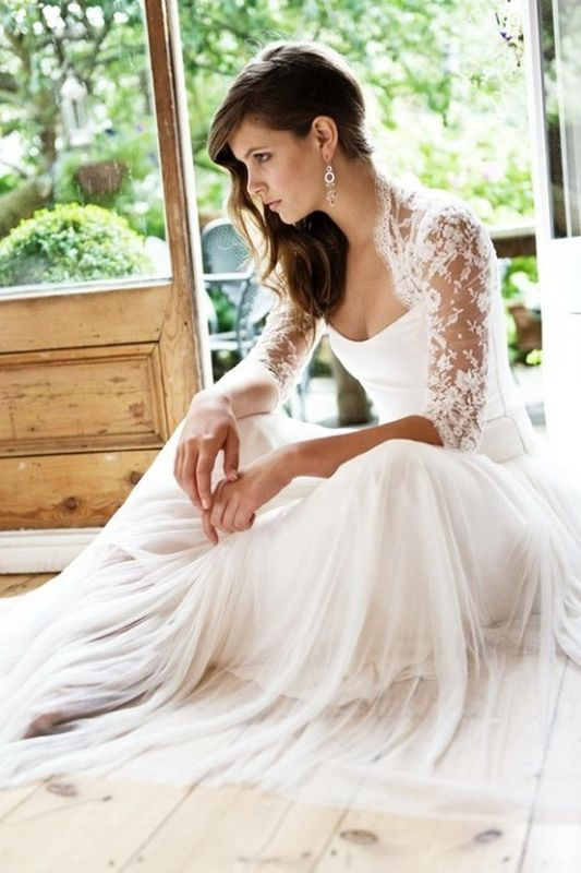 HELP! Calling all flowy wedding dresses … long with lots of pic ...