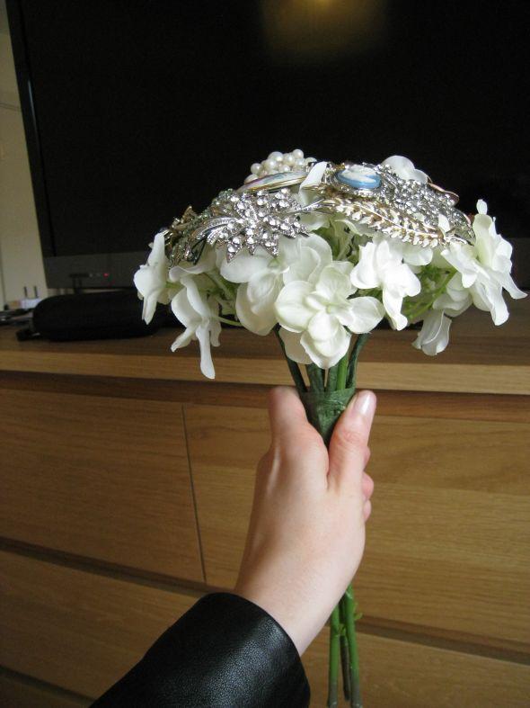 DIY brooch bouquet – progress in pics!