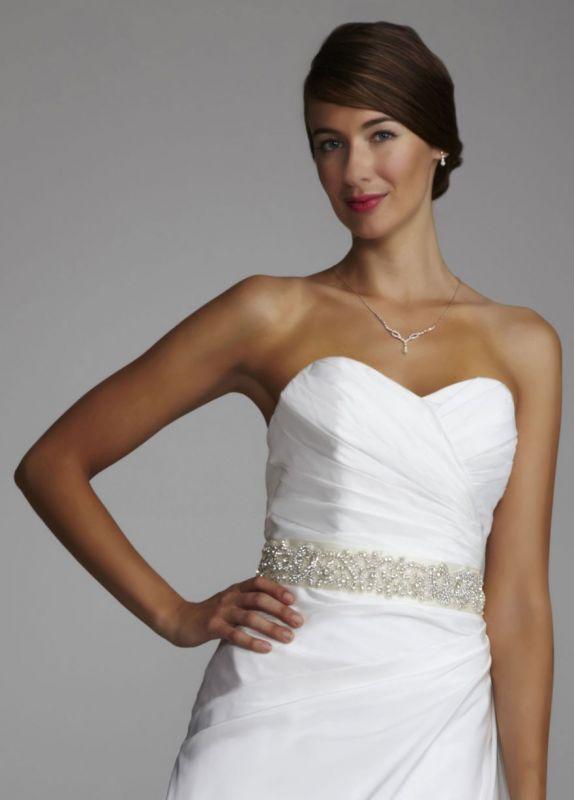 Sash or no sash with my wedding dress? Pics.