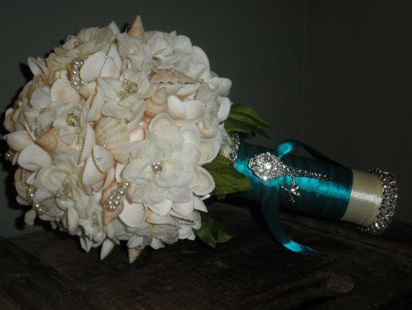 MY DIY Seashell Bouquet