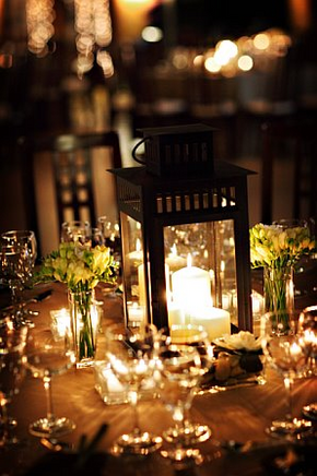 whimsical wedding centerpieces with lanterns