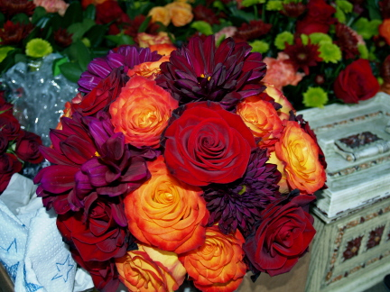 My wedding next Oct is going to be purple and orange also some of my