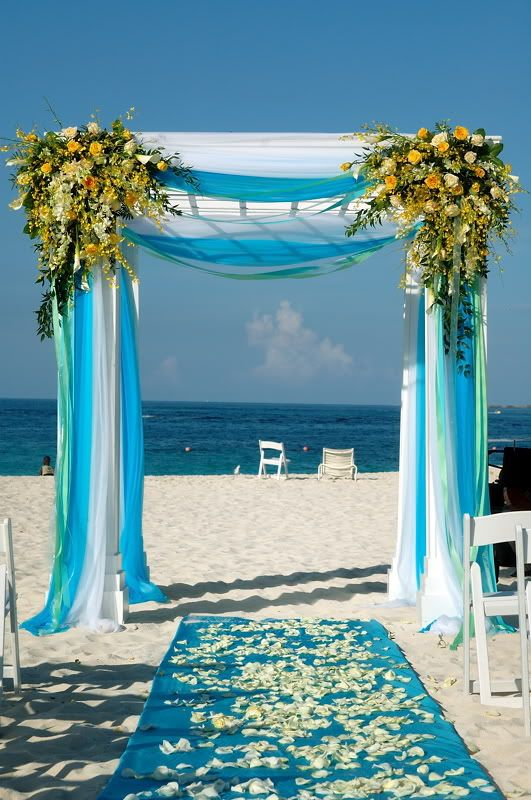 Memorable wedding decorating arches for a wedding for Archway decoration ideas