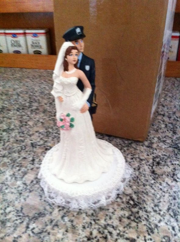 October Brides – Show your cake toppers!