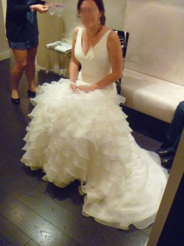Wedding Dress Alterations Halifax : Pronovias alfa brides weddingbee