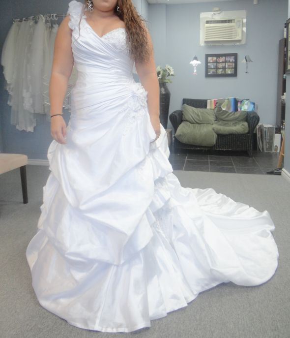 My Wedding Dress I Bought Last Night wedding white DSC00061