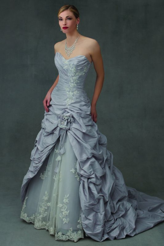 Wedding dress in blue opinions please. Also help can\'t find it anywhere?