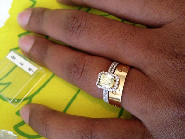 Help choosing wedding band for canary diamond ring