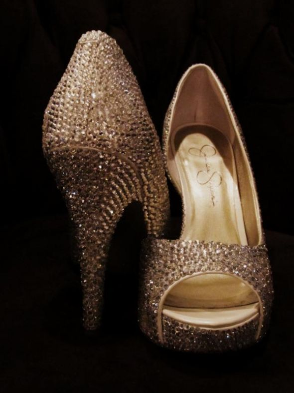 My DIY Swarovski crystal wedding pumps!
