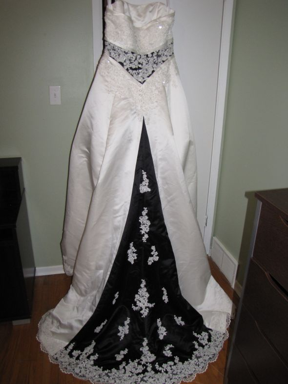 NEW Ivory and Black wedding dress Alfred Angelo 1708W size 16 wedding