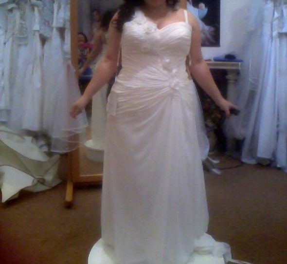 Any Brides Out There With Simple Flowy Floor-length