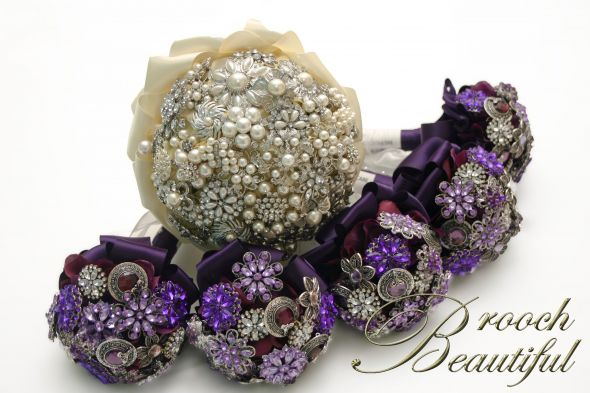 Brooch Bouquets for the Entire Brida