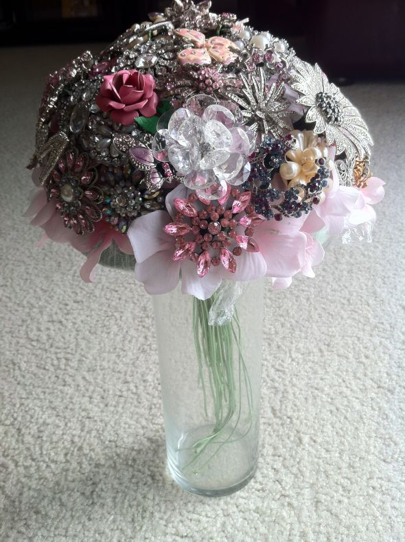 First Try at My Brooch Bouquet :  wedding bouquet bridal brooch floral flowers pink white Brooch Proof 009