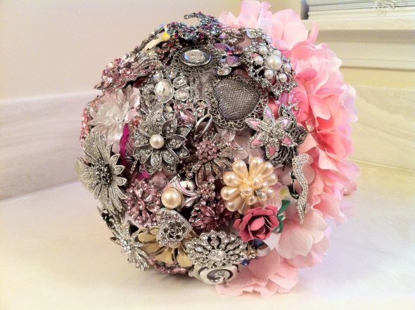 First Try at My Brooch Bouquet :  wedding bouquet bridal brooch floral flowers pink white Flowers 017