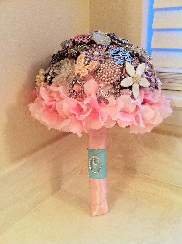 First Try at My Brooch Bouquet :  wedding bouquet bridal brooch floral flowers pink white Flowers 022