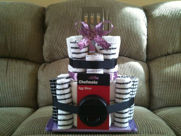 Wedding Shower Gift Diy : Kitchen Towel Cake, bridal shower gift : wedding black cake diy ...