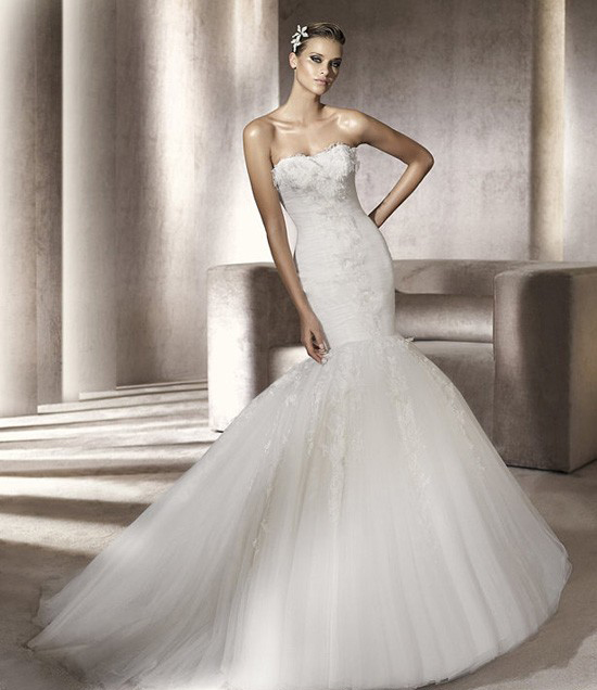 i've found my dress!!! :) :  wedding dress fishtail fitted lace mermaid wedding dress white Pronovias Wedding Dress 2012 Ruched Bodice Piscis Mermaid Gown