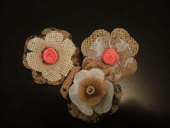 Burlap Wedding Cakes with Flowers