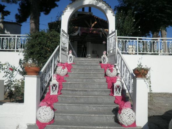 This Was Another Wedding Staircase Our Decorator Did And I Like This Look  As Well (well Its Very Much The Sameu2026)