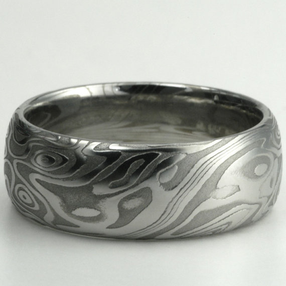 Anyones Hubby have a Damascus Steel ring Pics