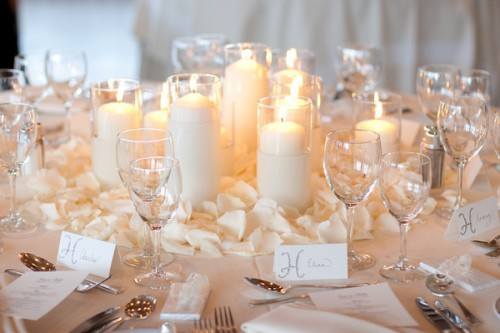 Diy wedding table decorations romantic decoration for Wedding table decoration ideas
