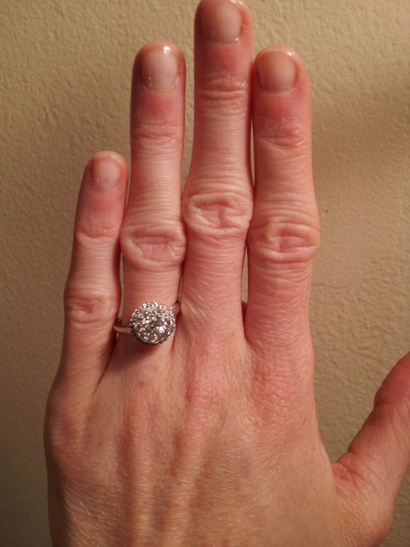 BIG knuckles…do you have a picture to post? - Weddingbee