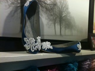 My DIY shoes are done! :  wedding blue diy lace shoes white Blue Lace Shoes 2