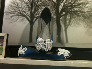 My DIY shoes are done! :  wedding blue diy lace shoes white Blue Lace Shoes