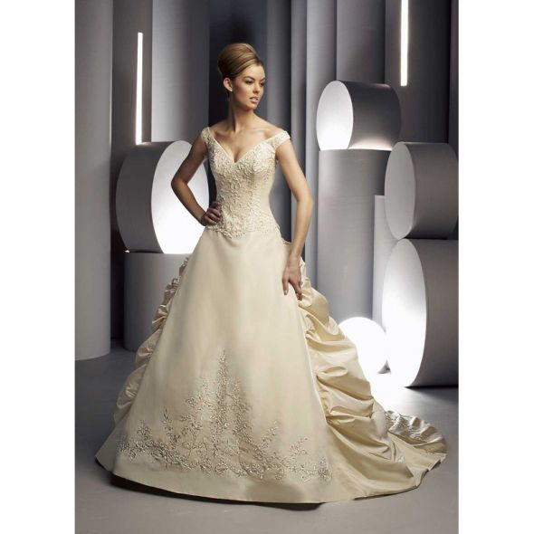 Dress input weddingbee for Different colored wedding dresses