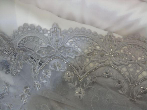 The material for my Gray Wedding Dress :  wedding dress gray inspiration lace silver Photo0663