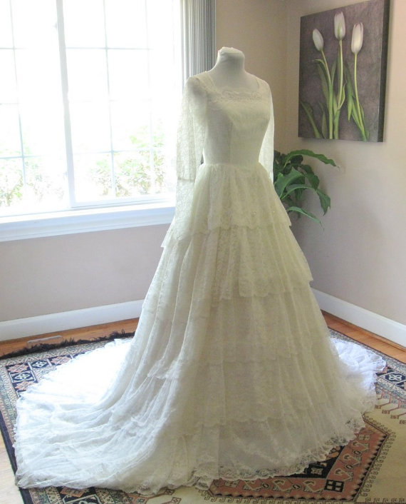 Vera wang wedding dresses for sale on ebay discount for Sell your wedding dress for free