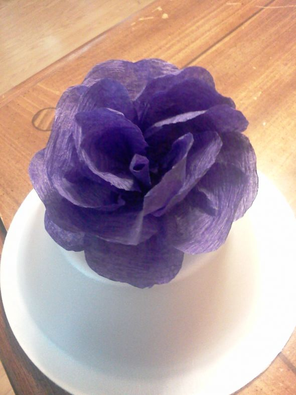 Crepe paper flowers (streamer paper)  Heavy photos :  wedding crepe paper flowers paper flowers paper roses roses Crepe Flowers 001