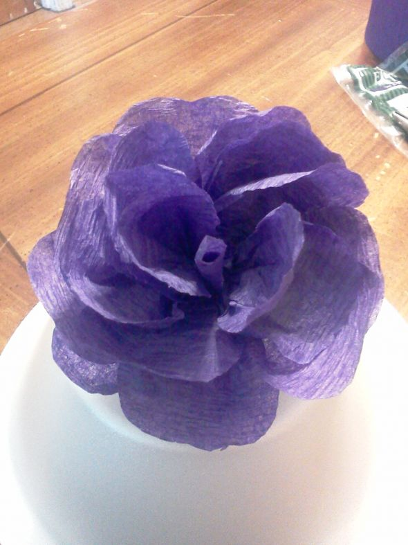 Crepe paper flowers (streamer paper)  Heavy photos :  wedding crepe paper flowers paper flowers paper roses roses Crepe Flowers 006