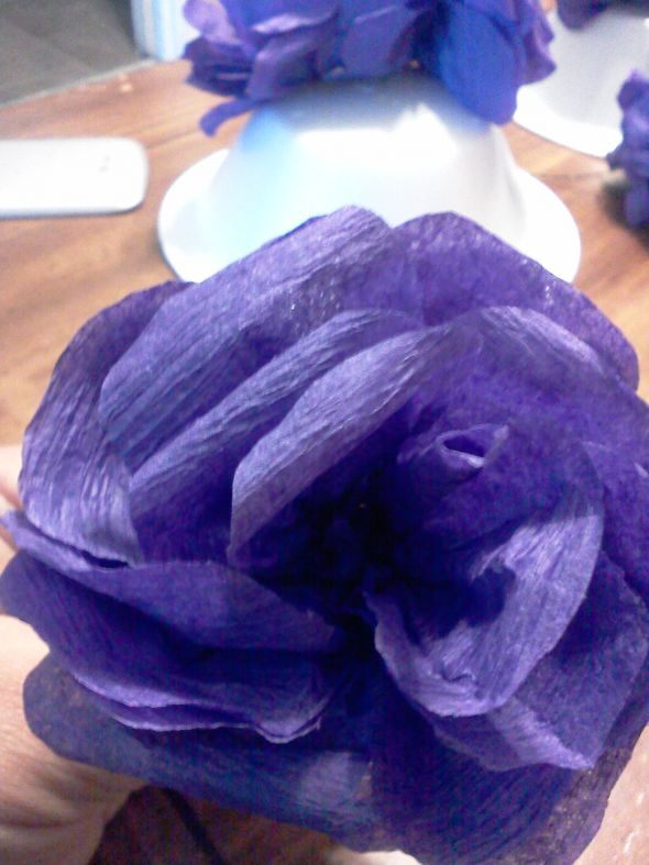 Crepe paper flowers (streamer paper)  Heavy photos :  wedding crepe paper flowers paper flowers paper roses roses Crepe Flowers 035