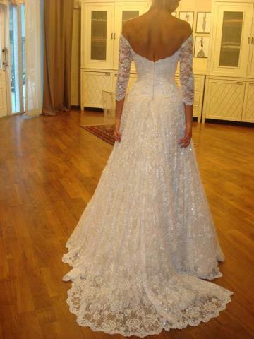 HELP!! does anyone know who this dress is by :  wedding 254209 514114641934821 293105761 N