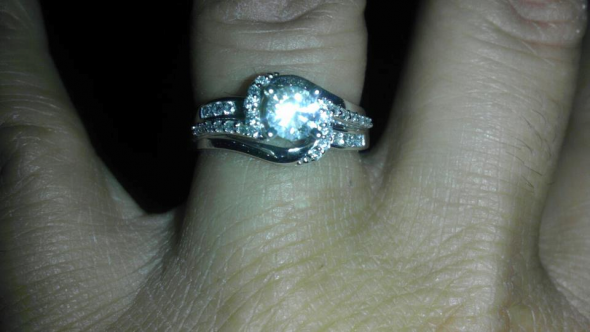 my engagement ring ; ) :  wedding engagement ring My Beautiful Engagement Ring
