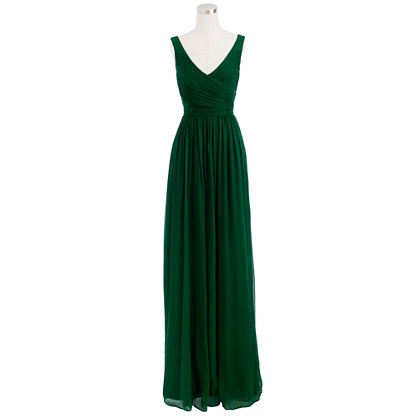 Do green bridesmaids dresses clash with an outdoor for Forest green wedding dress