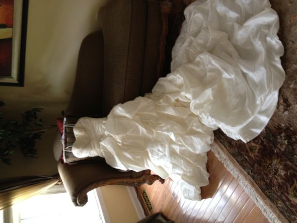Selling never been worn alfred angelo wedding dress the for How to sell wedding dress never worn