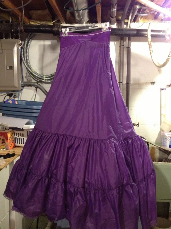 DIY dyed crinoline FINALLY !