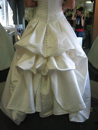Bustle weddingbee for Wedding dress train bustle