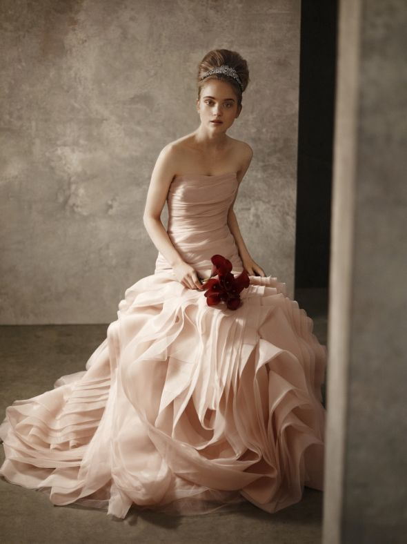 Dramatic Wedding Dresses For The Bride Who Wants To Make A Stylish