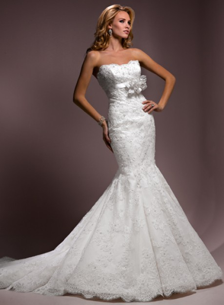 Has anyone purchased their dress from www.wedding-dress-bee.net ...