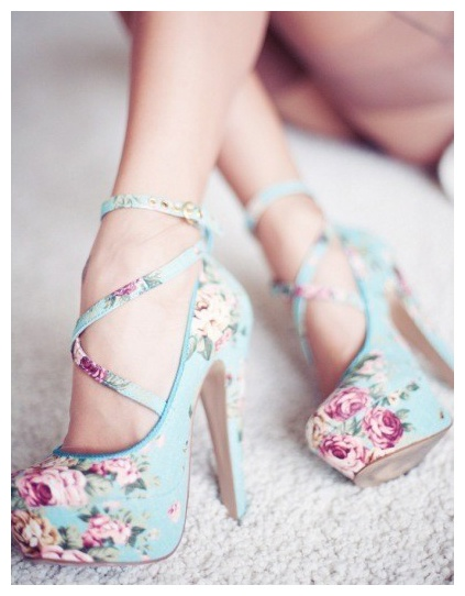 CAN SOMEONE PLEASE HELP ME FIND THESE PRETTIES