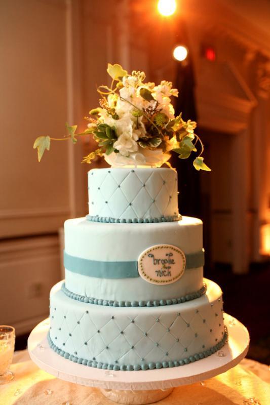 Surprise Wedding Gift For Groom : WEDDING DAY Cake Our Wedding Cake and Surprise Grooms Cake