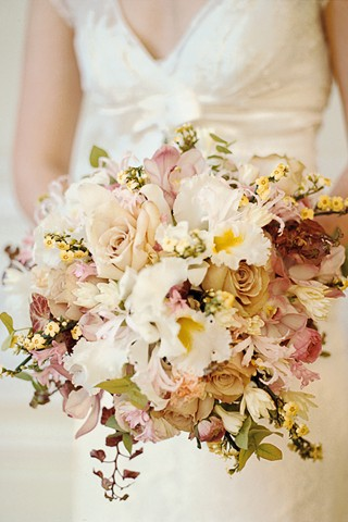 Antique Elegance - Bouquet Idea :  wedding autumn bouquet flowers gold ivory missgemini november pink 65091157083886903 JZQNqsQX C