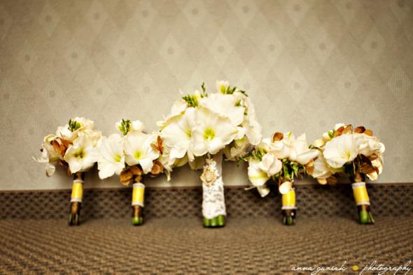 DIY Bouquets Amaryllis Freesia Roses wedding amaryllis bouquets diy