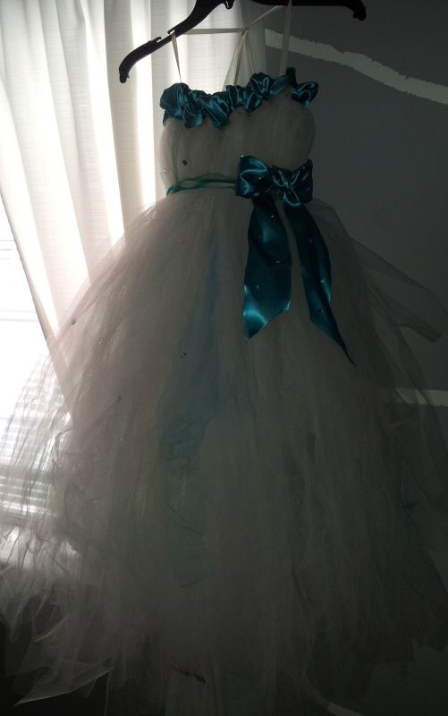 Sparkly DIY TULLE Flowergirl Dress W. Rhinestones (ivory and teal)