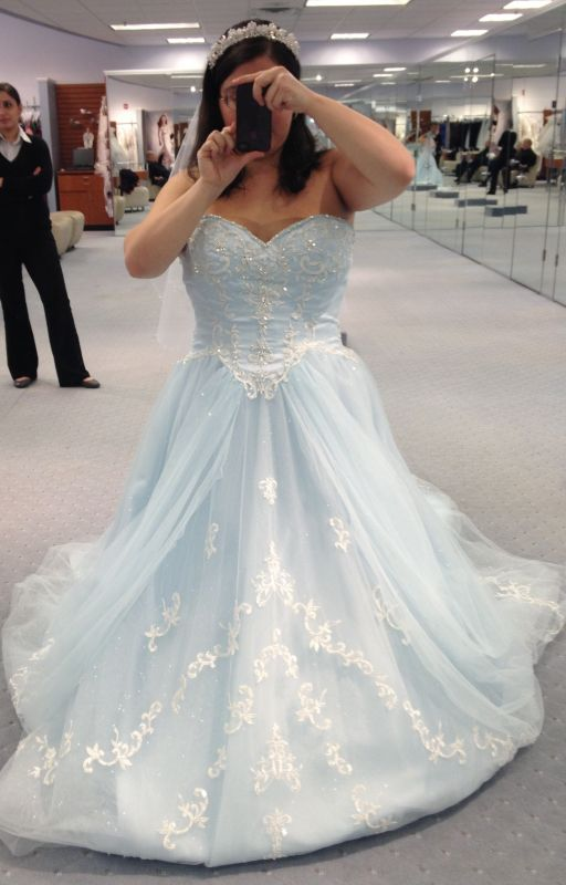 Dress Regret Help! Allure c200 or Alfred Angelo Cinderella
