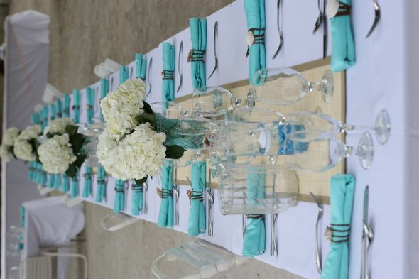 blue and beachy decor wedding table linens beach centerpiec Table Runner