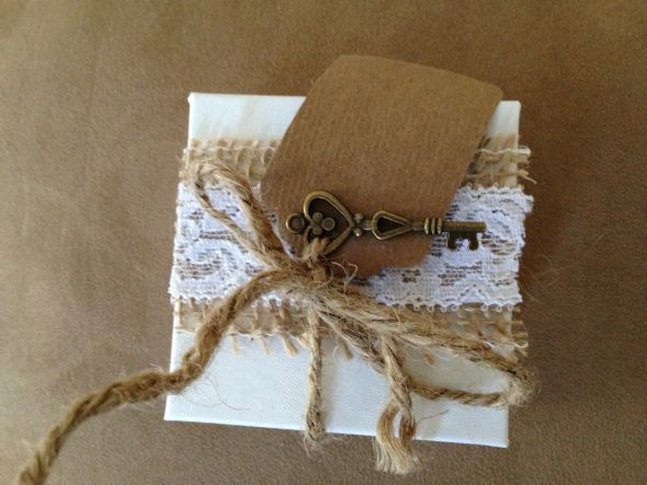 burlap and lace cookie favor box